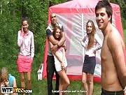 Film porno Jeunes filles baisées en extérieur